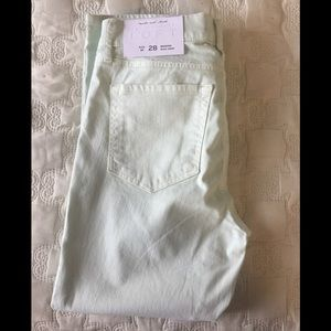 Loft Modern Kick Crop Jeans in Mint Green.  28/6P